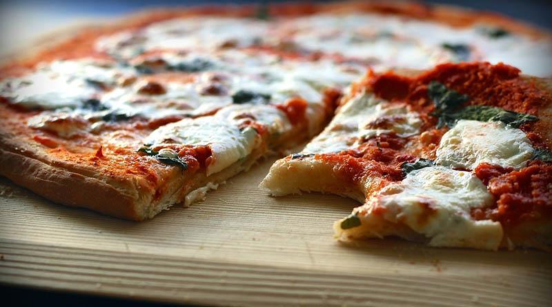 Spor av pizza