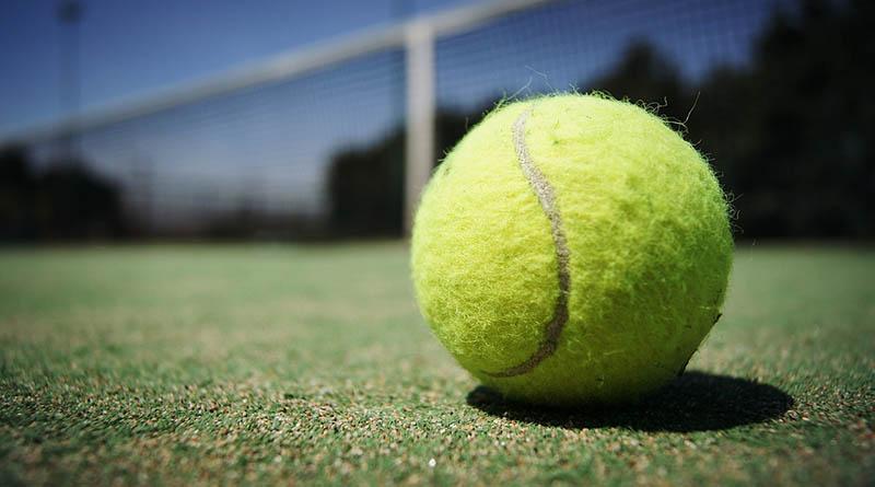 Tennisballer ble forbudt